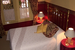 Triune House Bed and Breakfast - Accommodation Gladstone