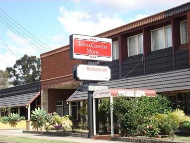 Town  Country Motel - Accommodation Gladstone