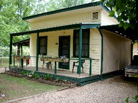 Pioneer Garden Cottages - Accommodation Gladstone
