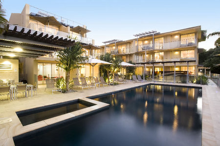 Maison Noosa Luxury Beachfront Resort - Accommodation Gladstone