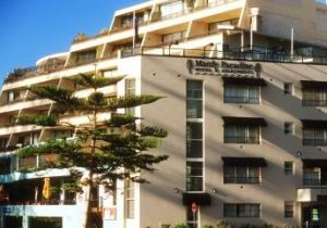 Manly Paradise Motel And Apartments - Accommodation Gladstone