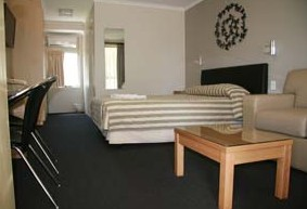 Queensgate Motel - Accommodation Gladstone