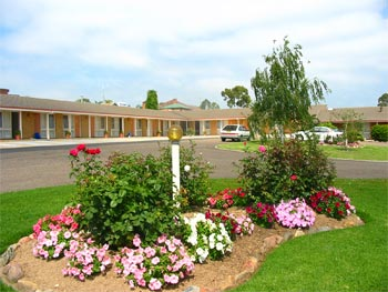 Bega Village Motor Inn - Accommodation Gladstone
