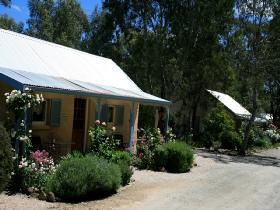 Riesling Trail Cottages - Accommodation Gladstone