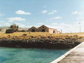 Mt Dutton Bay Woolshed Hostel - Accommodation Gladstone