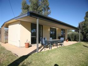 Toolunka Estate Cottage - Accommodation Gladstone