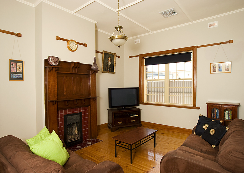 Semaphore Beach House - Accommodation Gladstone