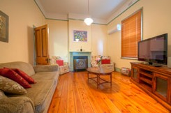 Semaphore Beach Cottage Bed and Breakfast - Accommodation Gladstone