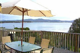 Waterfront on Georges Bay - Accommodation Gladstone