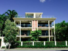 Cairns Beachfront Apartment - Accommodation Gladstone