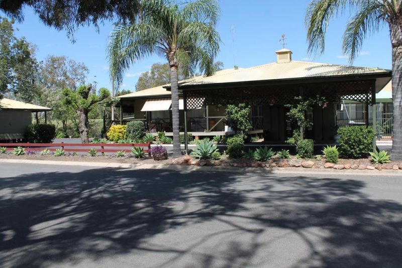 Lake Forbes Motel - Accommodation Gladstone