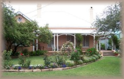 Guy House Bed and Breakfast - Accommodation Gladstone