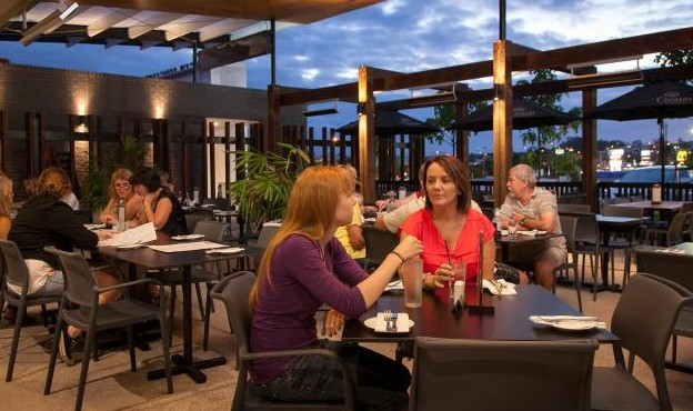 Browns Plains Hotel - Accommodation Gladstone