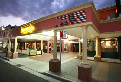 The Commodore Motor Inn - Accommodation Gladstone