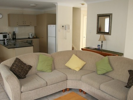 Pacific Sun Gold Coast Holiday Townhouse - Accommodation Gladstone