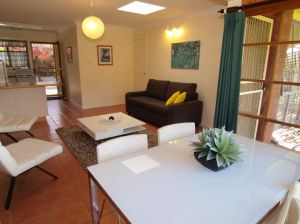 Bright Highland Valley Cottages - Accommodation Gladstone