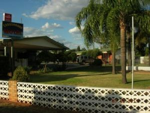 Cross Roads Motel - Accommodation Gladstone