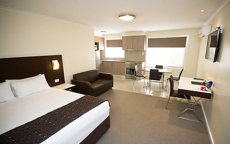 Country Comfort Premier Motel - Accommodation Gladstone