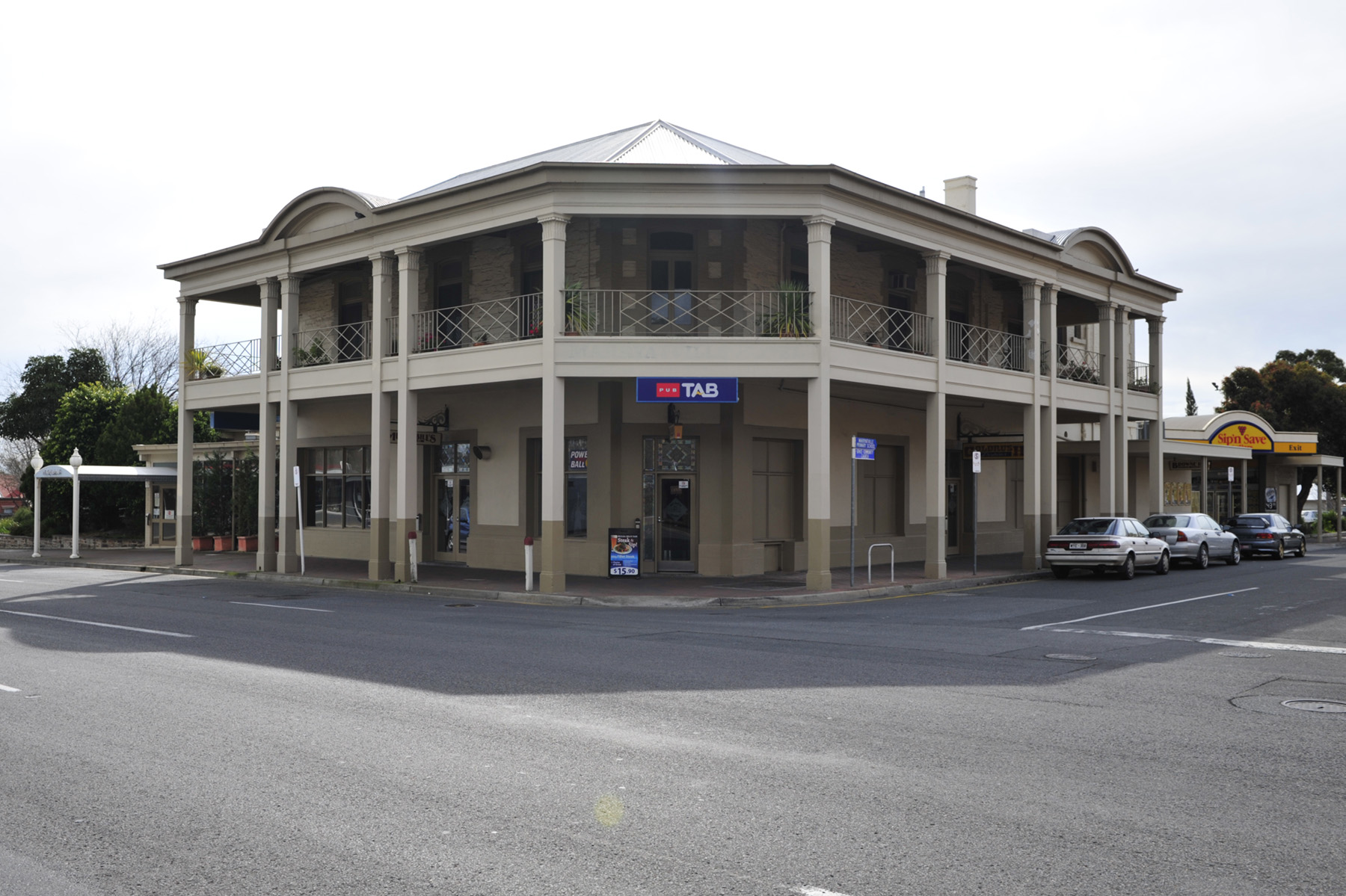 Marryatville Hotel - Accommodation Gladstone