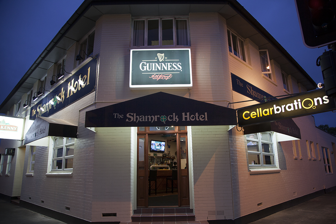 Shamrock Hotel - Accommodation Gladstone