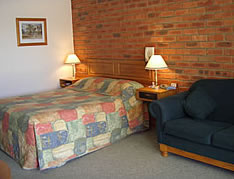 Australian Settlers Motor Inn - Accommodation Gladstone
