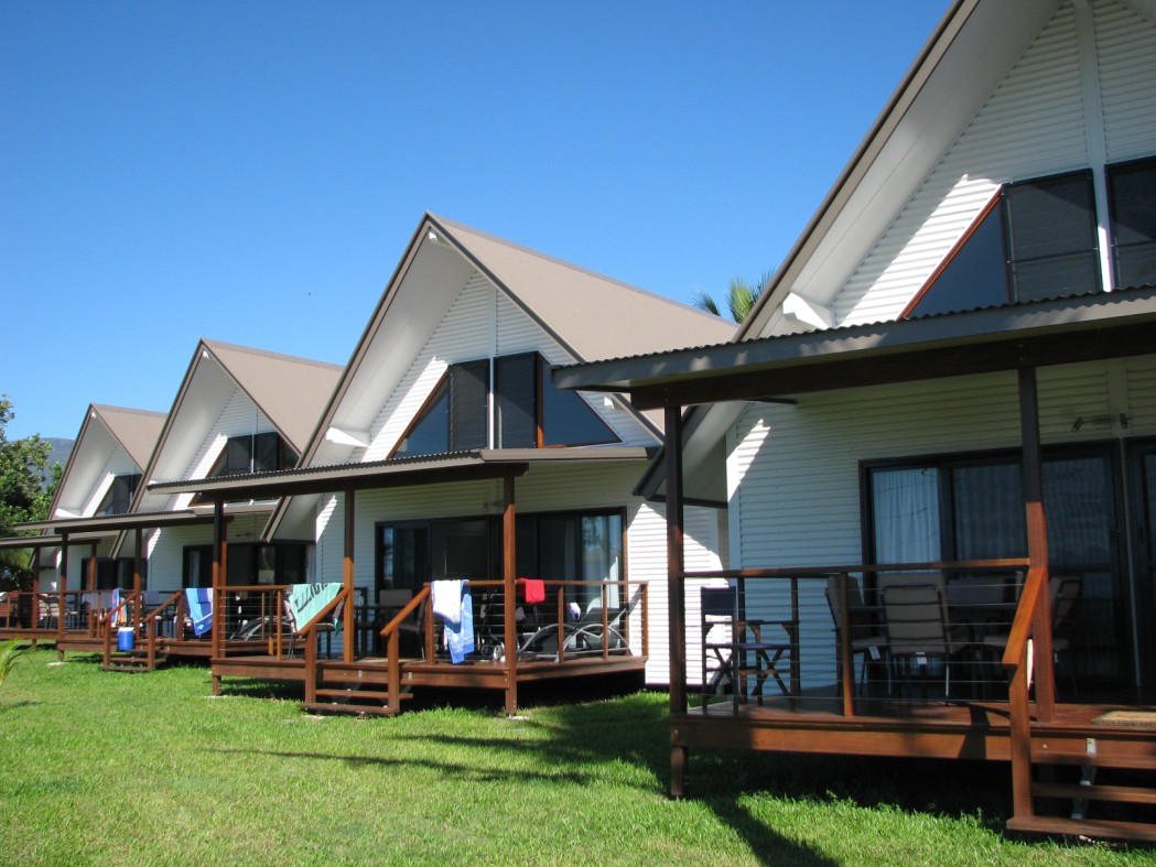 Cardwell Beachcomber Motel  Tourist Park - Accommodation Gladstone