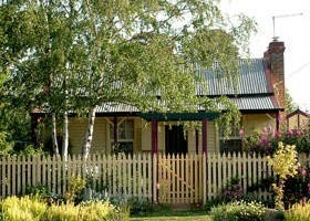 Rossmore Cottage - Accommodation Gladstone