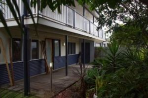 Moffat Beach Pet Friendly Holiday House - Accommodation Gladstone