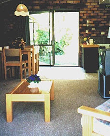 Falls Forest Retreat - Accommodation Gladstone