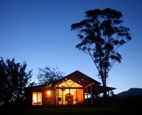 Promised Land Cottages - Accommodation Gladstone