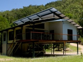 Creek Valley Rainforest Retreat - Accommodation Gladstone