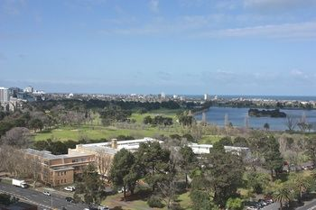 Apartments Melbourne Domain - South Melbourne - Accommodation Gladstone