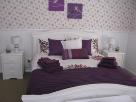 Cherry Bounce Bed  Breakfast - Accommodation Gladstone