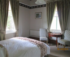 Cygnet's Secret Garden - Boutique Bed and Breakfast - Accommodation Gladstone