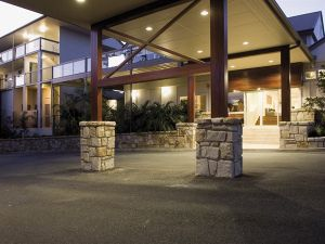 Mercure Clear Mountain Lodge Spa and Vineyard - Accommodation Gladstone