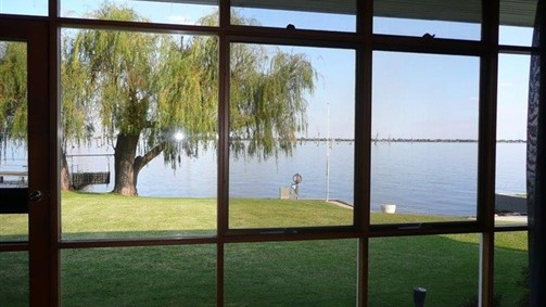 Lakeviews On Lang - Accommodation Gladstone