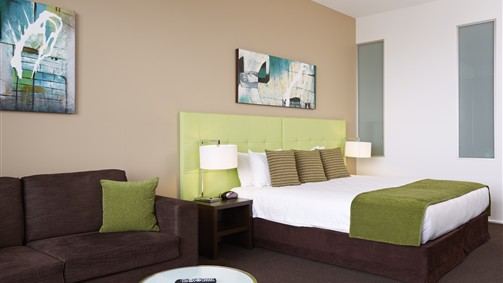 Mercure Melbourne Caroline Springs - Accommodation Gladstone
