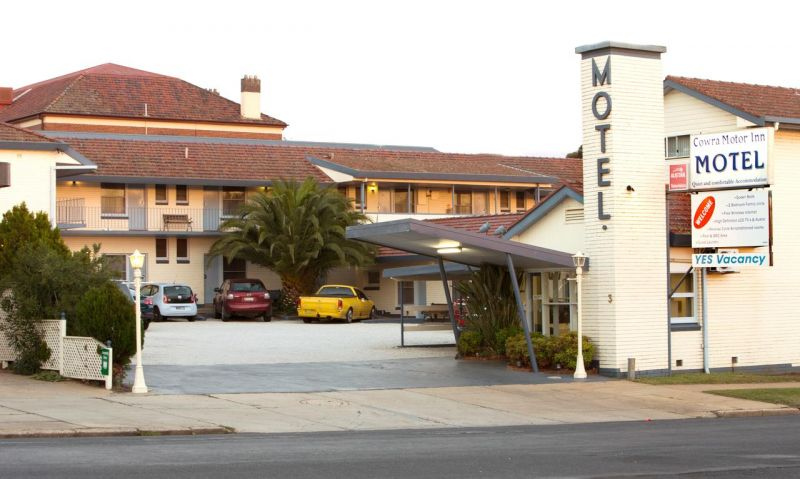 Cowra Motor Inn - Accommodation Gladstone