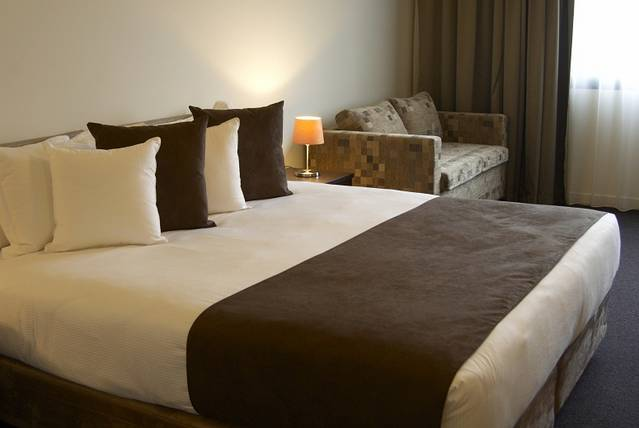 Quality Hotel Tabcorp Park - Accommodation Gladstone