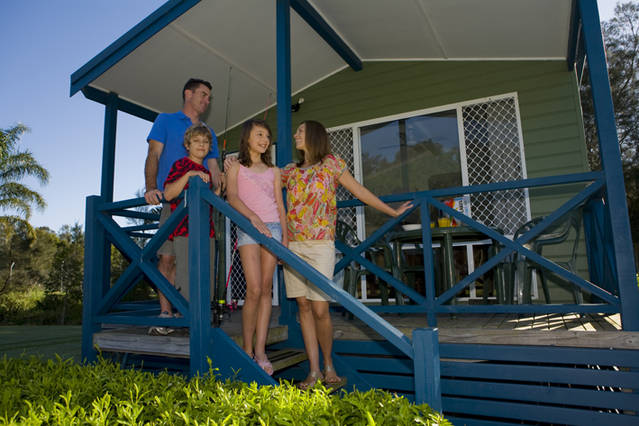 Swansea Gardens Lakeside Holiday Park - Accommodation Gladstone