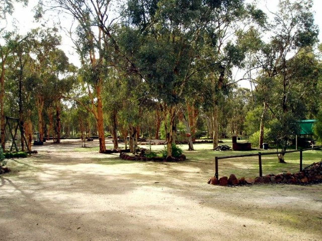 Toodyay Holiday Park  Chalets - Accommodation Gladstone