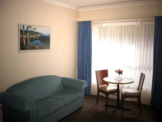 Victoria Lodge Motor Inn  Serviced Apartments - Accommodation Gladstone