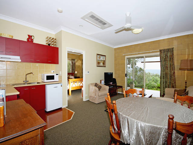 Wallaby Ridge Retreat - Accommodation Gladstone