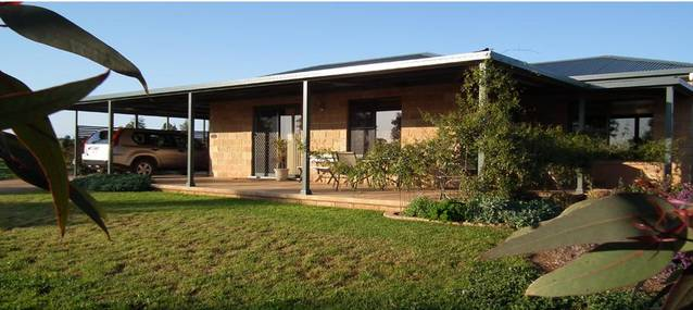 Welcome Cottage Executive Serviced Accommodation - Accommodation Gladstone