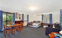 Ambleside Bed and Breakfast Cabins - Accommodation Gladstone