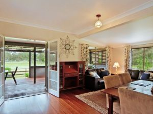 Woollamia Farm Cottage Accommodation - Accommodation Gladstone