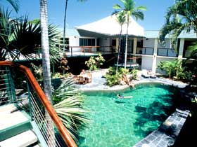 Bay Village Tropical Retreat - Accommodation Gladstone