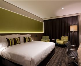 Glen Hotel and Suites - Accommodation Gladstone