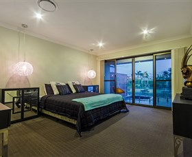 Aqua Palms At Vogue Holiday Homes - Accommodation Gladstone