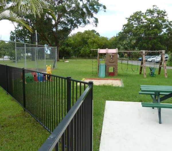 Riverside Holiday Park - Accommodation Gladstone